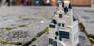KLM unveils latest Delft house